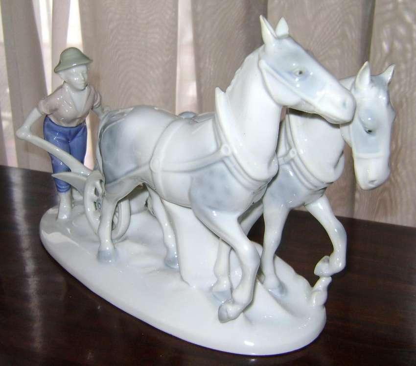 Figura Porcelana Bavaria Hombre Arado Y Caballos / Maxim Nord 0