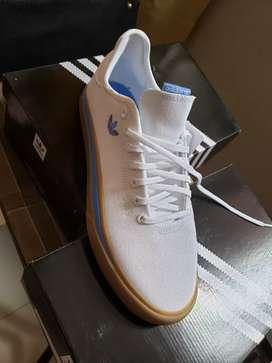 Zapatillas adidas nike nuevas