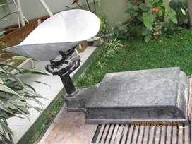 Báscula Antigua de Plancha Y Cucharón