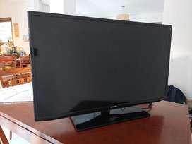 "TV LED SAMSUNG 46"". Pantalla rota c/control remoto"