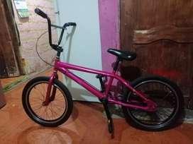 Bicicleta  BMX  120.00