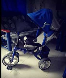 Se vende coche triciclo para bebés