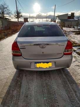 Toyota etios platinum 1.5  4 A/T sedan