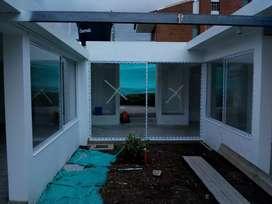 Ventaneria y aluminio y domos correderos