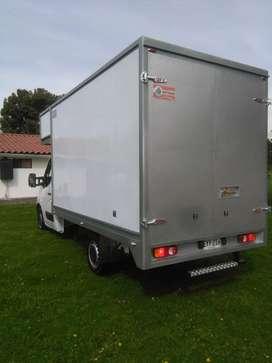 Chevrolet Camion NHR Furgon aislado para transportar frios