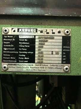 Inyectora de plastico Arburg