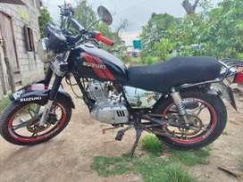 Vendo moto suzuki gn125 caida para el campo en buen esta $900