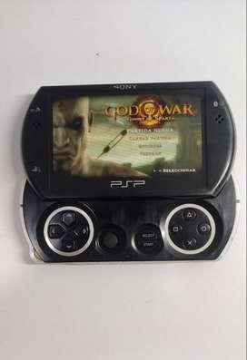 PSP GO, memoria 2gb, con cargador y forro