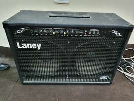 Amplificador de guitarra Laney 120 watts