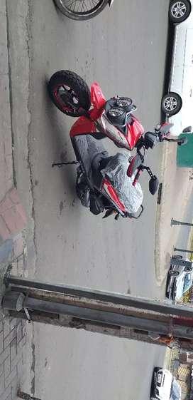 Busco trabajo como repartidor en portoviejo cuento con moto y carro