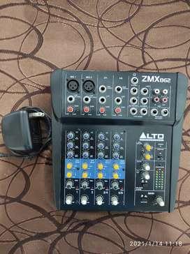 Vendo Consola de audio Alto profesional de 6 canales