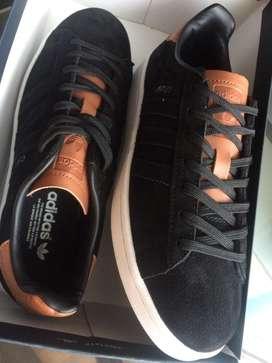 Solo Adidas 10 pares disponibles de inmediato