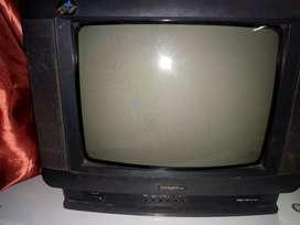 Televisión a colores de 14 pulgadas