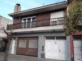 CHALET 3 AMBIENTES EN P.A CON DEPTO DE 2 AMB Y LOCAL. Casa en Venta.