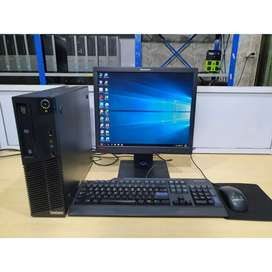 Computador Lenovo Core i3, Monitor de 19 Pulgadas