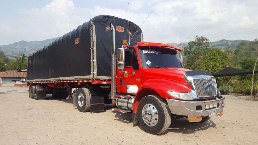 TRACTOCAMION  INTERNATIONAL 0