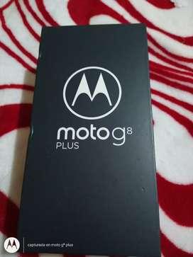 Se vende celular motog8 plus