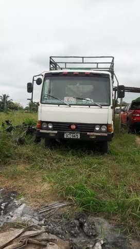 Un camion  nissan