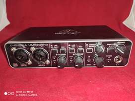Tarjeta de sonido externa Behringer U-PHORIA UMC204HD