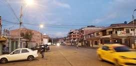 LOCAL COMERCIAL +TERRENO-PARQUEADERO VENDO EN CUENCA, JUNTO AL MERCADO 12 DE ABRIL. $370000/DOY FACILIDADES /0994/393692
