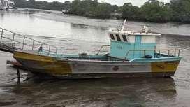 Se vende barco embarcación de fibra