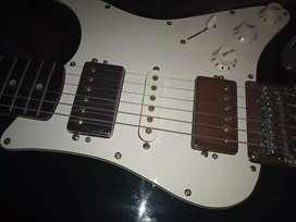 Guitarra electrica Squier bullet by Fender indonesia (modificada)