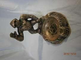 Cenicero con gorila en bronce