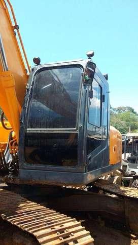 VENDO RETROEXCAVADORA HYUNDAI ROBEX 210 LC-7