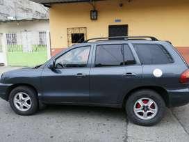 Hiunday Santa Fe 2004 automátice al día urge por viaje en matricula y sin gravamen