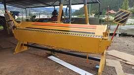 Dobladora de tool de 3 metros  de fabrica con capacidad de dobles 1.5    de una sola cuchilla