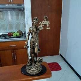 Figura de Dama de La Justicia