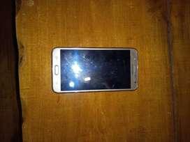 Samsung J7 modelo 2016 usado viene con vidrio templado, cargador y funda