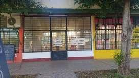 Alquilo local comercial amplio sobre avenidas