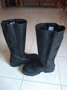 Vendo botas motorizado marca Miguel caballero nuevas #41