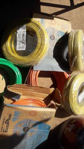 Cable electrico # 12.  500 pies