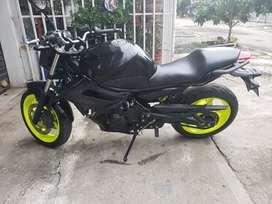 Vendo permuto Yamaha xj6