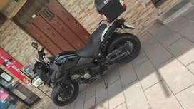Se vende motocicleta Suzuki vestrom 650