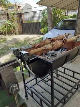 Asador de cuyes y pollos con motores electricos