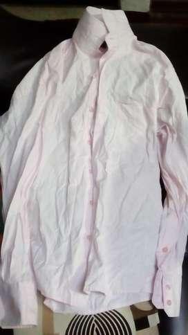 Lindas camisas dc alidad talla 38 con muy poco uso a solo 15000