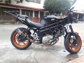 Vendo Permuto Hyosung GT650R por moto o carro menor valor