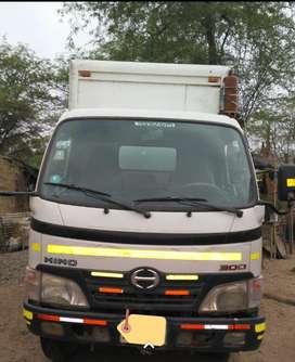 Venta de Camion Furgon Hino 300