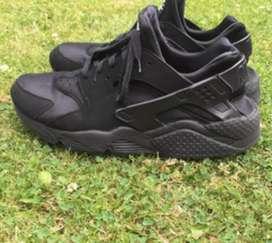 Vendo o permuto Nike Huarache originales