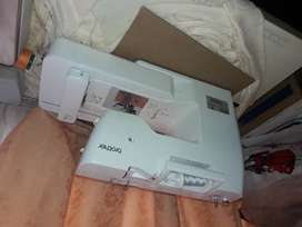 VENDO MAQUINA NUEVA COSER Y BORDADORA BROTHER SE-625