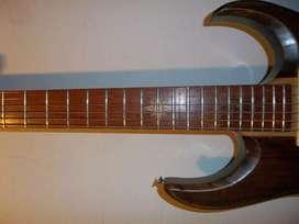Guitarra Superstrato mica Humburker Alnico V