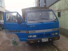 Vendo Camion Isuzu  en excelente estado.