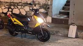 Espectacular Moto Kymco Rocket 125 Amarilla