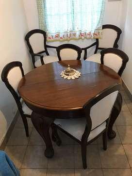 Mesa con 4 sillas + 2 sillones