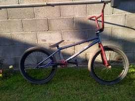 Bicicleta BMX raleigh rodado 20 (armada)