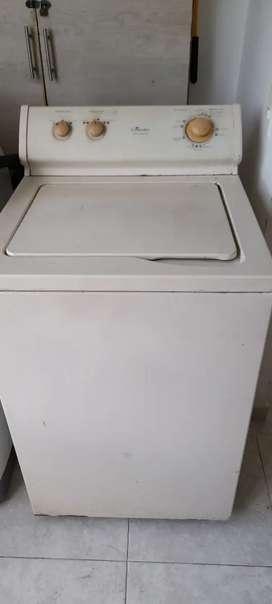 Vende lavadora centrales de 24 lbs