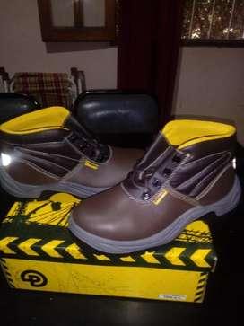 Vendo Urgente Zapatos de Trabajo a Estre